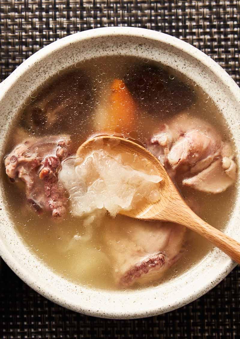 白木耳山藥雞湯
