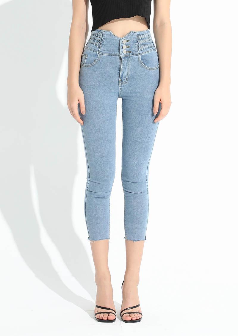 超模身段高腰排釦牛仔褲